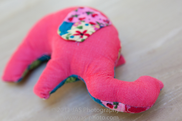 cute stuffed elephant toy with free pattern and tutorial. great baby gift!