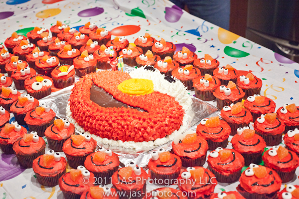 elmo cake and cupcakes for elmo party theme