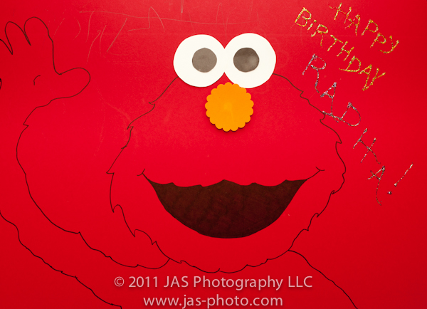 pin the nose on elmo activity for elmo party theme