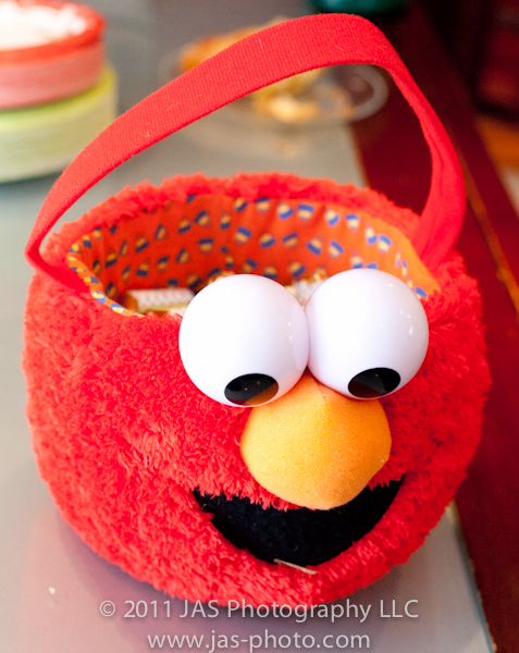 elmo basket to use as decoration or candy holder for elmo party theme