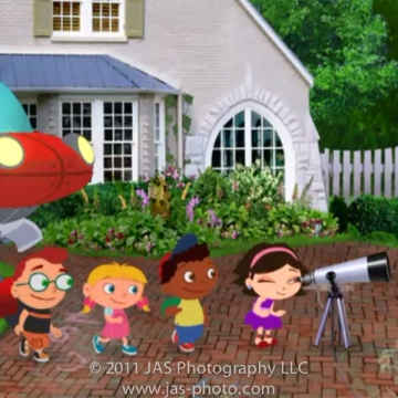little einstein's characters looking in the telescope